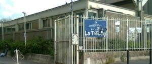 «Troppi vandali, non c'è sicurezza»: la stazione di Napoli chiude prima