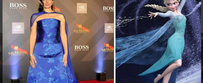 """La Raggi si veste da principessa di Frozen (foto). Web scatenato: """"Pensa alle buche"""""""
