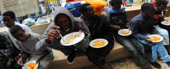 Migranti, anche la Cei ora dice: «Aiutiamoli a casa loro»
