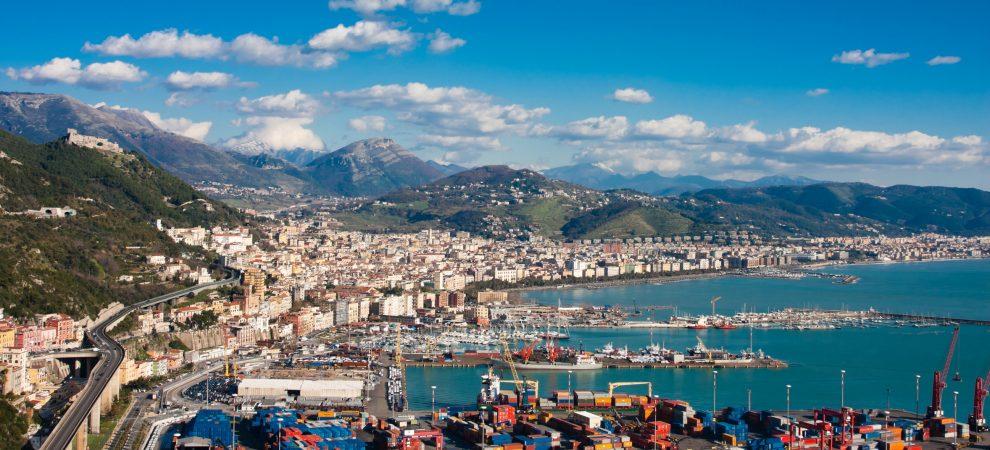 """Salerno è  """"fuori di testa""""? La città si sente offesa: ci tuteleremo"""