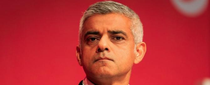 Londra violenta: altri 7 accoltellati, ma il sindaco Khan minimizza