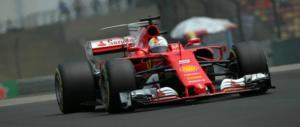 Formula 1, beffa per la Rossa. Verstappen sperona il ferrarista Vettel (video)