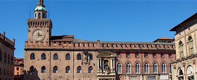 Anche a Bologna il sindaco Pd riconosce un bimbo con due madri