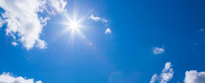 Meteo, il sole torna timidamente ad affacciarsi nel weekend: bel tempo ovunque