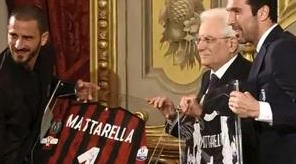 Mattarella scherza (ma non troppo): «Faccio l'arbitro, ma serve correttezza giocatori»