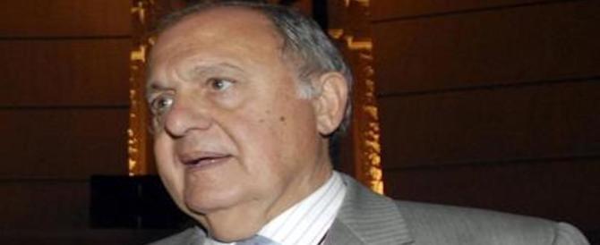 """""""Scudo russo"""" per l'Italia. Parte la nuova bomba mediatica contro il ministro Savona"""