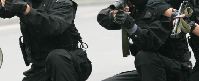 Terrorismo, smantellate due cellule jihadiste: arresti in tutta Italia (video)