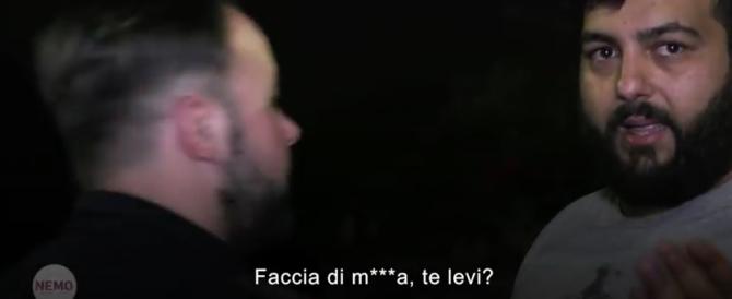 """«Faccia di m…, te levi?»: troupe di """"Nemo"""" aggredita dai Casamonica (video)"""