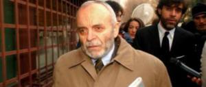 È morto Carlo Castagna: perse moglie, figlia e nipote nella strage di Erba (2 video)