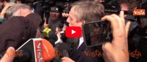 Contestazioni e insulti alla direzione Pd: gli elettori contro l'accordo con il M5s (video)