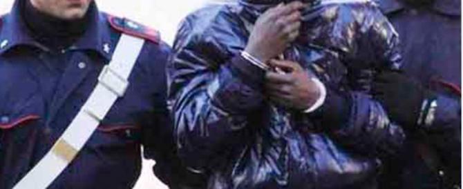 Immigrato sul treno senza biglietto colpisce alla tempia un carabiniere