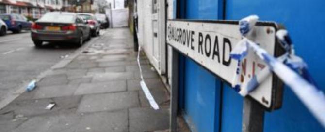 Londra, la scia di sangue si allunga: ucciso a coltellate un 24enne