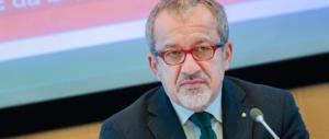 Maroni, altolà a Salvini: «Non puoi fare il ministro e il segretario della Lega»