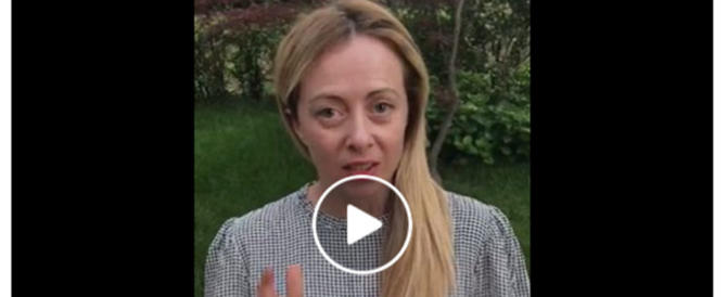 Mattarella, Meloni e 5 Stelle chiedono l'impeachment: non può porre veti (VIDEO)