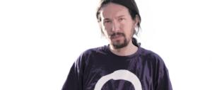 Dagli indignados alla Casta: il leader di Podemos compra una villa con piscina