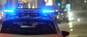 Rimini, due nordafricani picchiano un giovane e lo lasciano steso sull'asfalto