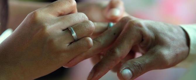 """Pakistano e italiana """"novelli sposi"""": ma il nido d'amore è un dormitorio per clandestini…"""