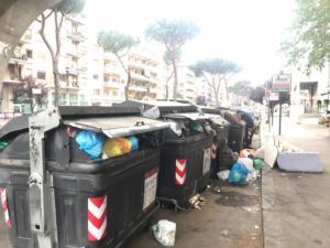 Foto scattata davanti alla Stazione San Pietro, lunedì 7 maggio alle 13