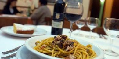 Salvini e Di Maio, il futuro dell'Italia passa anche per il ristorante…