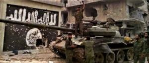 I siriani cannoneggiano i terroristi islamici a sud di Damasco (video)