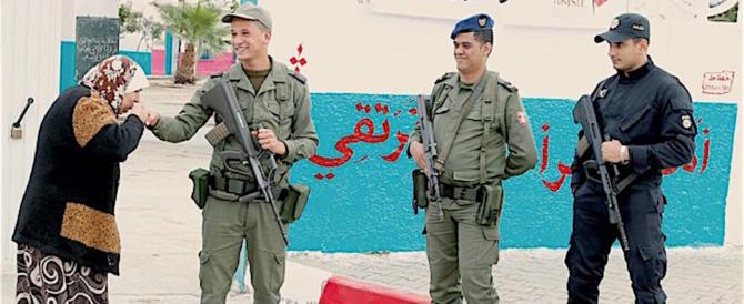 """Tunisia, seggi deserti. Gli islamici di """"Ennahda"""" rivendicano la vittoria"""