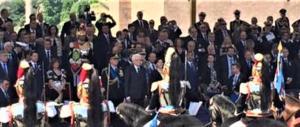 Tutto il governo del cambiamento al suo esordio alla parata militare (video)