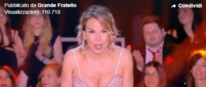 """Lo sprofondo: al Gf Barbara D'Urso """"processa"""" Fontana sulle unioni gay (video)"""