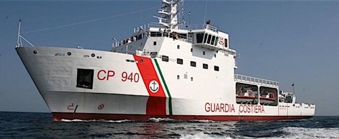 Arrivata a Catania la nave con 937 clandestini. 800 trasferiti altrove