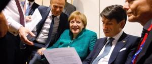 Migranti, c'è l'accordo tra i 28 dell'Ue. Conte: «L'Italia non è più sola»