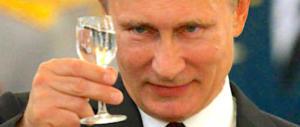 Sanzioni, la Nato minaccia ma Putin apprezza: «Qualcosa si muove nell'Ue»