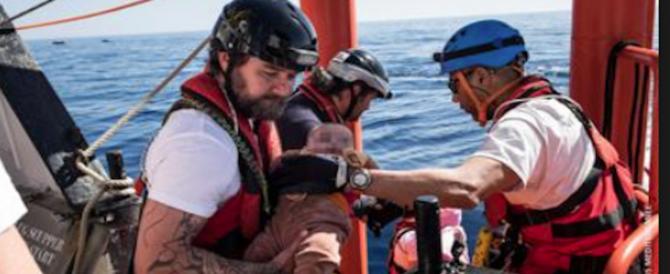 Aquarius, lo scrittore anti-Salvini sperava morisse un bimbo a bordo