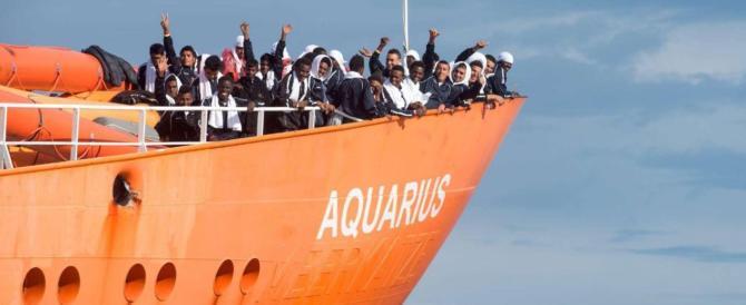 """Arriva l'Aquarius a Valencia e scoppia la protesta: """"Non vogliamo i migranti"""" (video)"""
