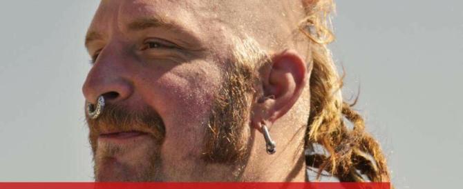 """Le Ong danno del fascista a Salvini, lui posta una foto: """"Ecco chi c'è a bordo"""""""