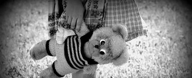 """Violenza sessuale su una bimba di 4 anni: il """"mostro"""", un pensionato 67enne"""