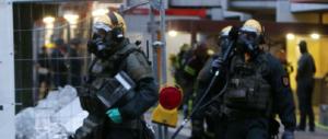 Evacuato palazzo a Colonia: le teste di cuoio catturano tunisino con arma biologica (video)