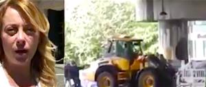 Meloni: ecco l'umanissimo Macron, manda le ruspe contro i clandestini (video)