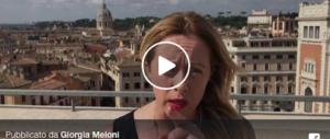 """Meloni: """"Macron faccia di bronzo, la Francia ha creato il caos"""" (video)"""