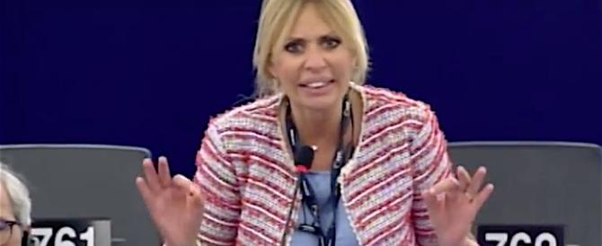 """Mussolini alla Ue: """"Sciacquatevi la bocca quando parlate dell'Italia"""" (video)"""