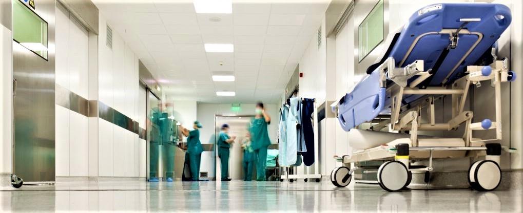 A Napoli reparto ospedaliero chiude per la festa del primario. Scattano  provvedimenti - Secolo d'Italia