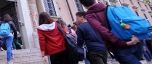 Boccia l'alunno e i genitori lo pestano. La mamma del prof su Fb: che Italia è questa?