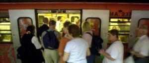 Beccate e rubare, 4 rom costringono i carabinieri a fermare la corsa della metro