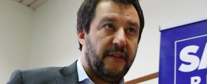 Salvini apre il fronte vaccini: «Dieci sono troppi». Ma il M5S non è d'accordo