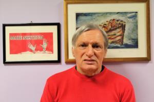 È stato proprio Don Luigi Ciotti a lanciare l'iniziativa della maglietta rossa. Tutte le scuse sono buone per non vestirsi da prete