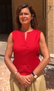 """Poteva mancare Laura Boldrini nella campagna """"maglietta rossa""""? L'aria dolente di chi ricorda che quando era presidente della Camera le facevano fotografie migliori"""