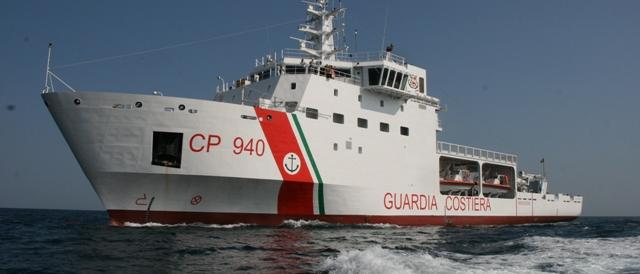 Trapani, la polizia a bordo della nave Diciotti, manette ai facinorosi?