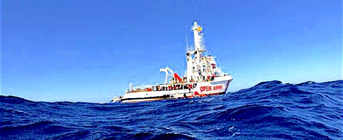 Open Arms, smentita anche dalla Libia, fa dietrofront: niente denunce all'Italia