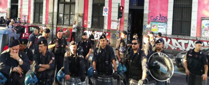 15 arresti nel centro sociale Askatasuna per i violenti scontri del 1 maggio