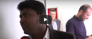 Consigliere comunale straniero con l'interprete. Salvini: «Meglio se sto zitto…»