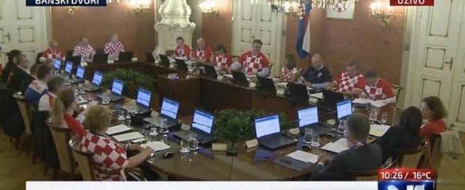 Mondiali e politica: il governo croato si è riunito con la maglia della nazionale
