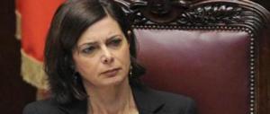 «I migranti a casa della Boldrini», sindaco a processo per il post sull'ex presidentessa